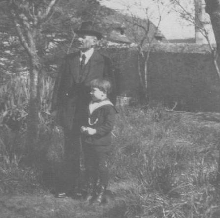 Pierrot et son grand-père, Saint-Chamant, Corrèze